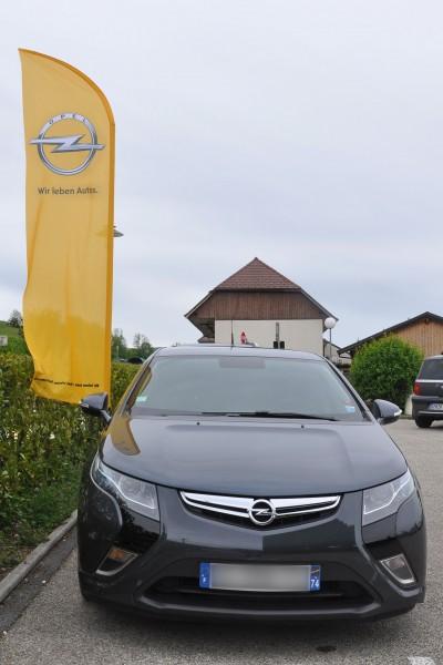 Rassemblement Amperiste 2014 - Ampera drapeau Opel